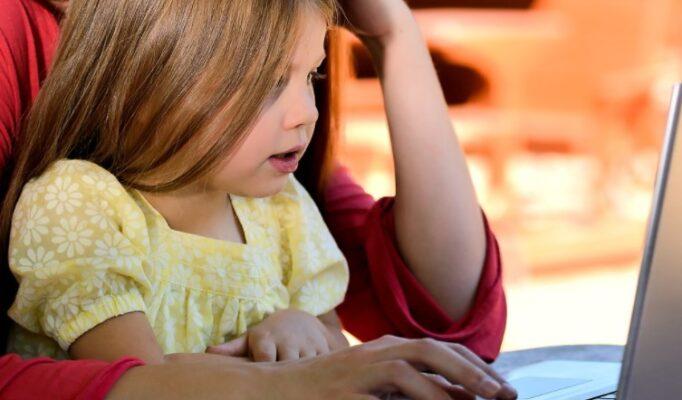 Tips Bijak Menjadi Orang Tua di era digital